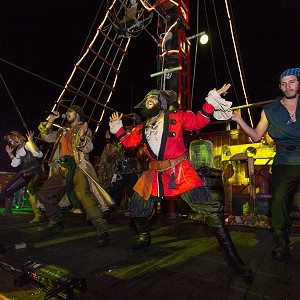 pirate-show-jolly-roger-24