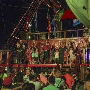 pirate-show-jolly-roger-cancun-1