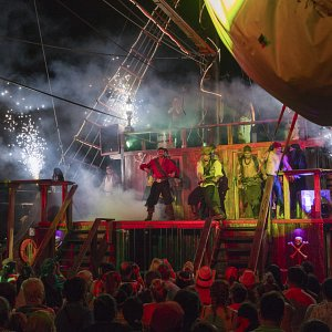 pirate-show-jolly-roger-cancun-3