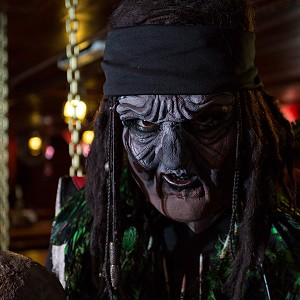 pirates-jolly-roger-cancun6